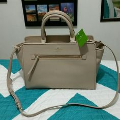 Kate Spade Purse New ♡ NEW KATE SPADE HANDBAG WITH TAGS....ITS AUTHENTIC AND NOT A OUTLET MODEL....FIRM PRICE....No Trades<3...Great Christmas gift...Sorry no Holds kate spade Bags Crossbody Bags