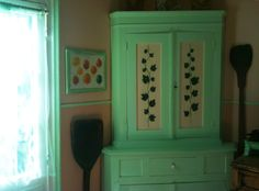 Photo by Thalia. Thalia, Armoire, Homes, Kitchen, Furniture, Home Decor, Clothes Stand, Houses, Cooking