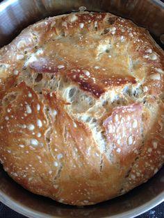 Mademoiselle Belle Soie: The world's best bread Bread Recipes, Baking Recipes, How To Get Fatter, Norwegian Food, Bread Bun, Piece Of Bread, Bread Baking, Tur, Baked Goods