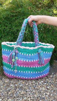 Crochet Summer Beach Bag TUTORIAL ༺✿Teresa Restegui http://www.pinterest.com/teretegui/✿༻