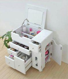 inacreditável essa pequena cômoda multiuso feita de caixotes pintados