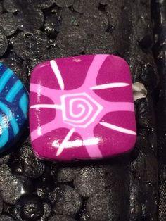 Bague en Fimo pâte polymère petit carré fleur violette 1,5x1,5 cm : Bague par ys-creations