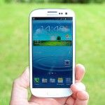 Samsung expects to ship more than half a billion phones in 2013