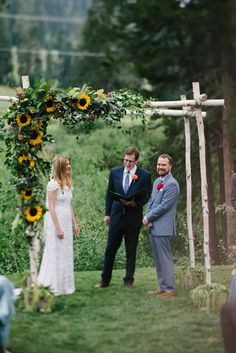 Kate and Taylor's Music Filled Sugar Bowl Tahoe Wedding with members of New York bands, the Cool Rulers and Turquaz. Boho Wedding, Wedding Flowers, Wedding Ideas, Rustic Flowers, Wild Flowers, Great View, Sugar Bowl, Ranch, Floral Design