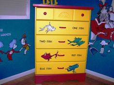awesome hand painted Dr Seuss dresser for a nursery These hand drawn pics on her dresser can be done by anybody. Kids Playroom Furniture, Baby Room Furniture, Repurposed Furniture, Painted Furniture, Dr Seuss Nursery, Old Bookshelves, Bookcase, Baby Room Diy, Diy Baby