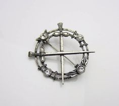 Vintage Jewellery Scottish Crossed Swords With Thistles Circle