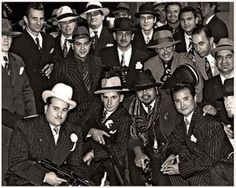 Al Capone and his Mafia Members Real Gangster, Mafia Gangster, Italian Mobsters, Godfather Movie, Chicago Outfit, Al Capone, Guys And Dolls, Tough Guy, Youth Ministry