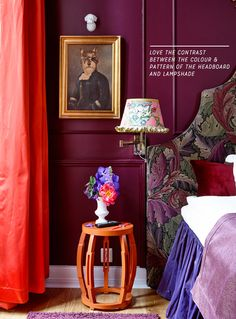 Inspired by the classic decor. design and decoration de casas interior design house design interior decorators Beautiful Interior Design, Home Interior Design, Interior Ideas, Plum Walls, Dark Walls, Office Wall Design, Beautiful Bedrooms, Colorful Interiors, Colourful Bedroom