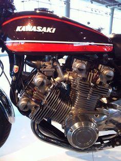 V8 Kawasaki Motorcycles, Cool Motorcycles, Motorcycle Engine, Cafe Racer Motorcycle, Motorbike Parts, Motor Scooters, Moto Bike, Street Bikes, Bike Design