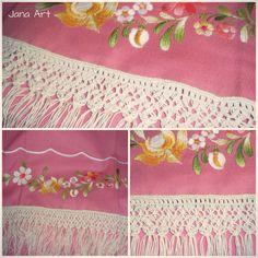 Macramè lace sewn on a towel. https://facebook.com/artelien