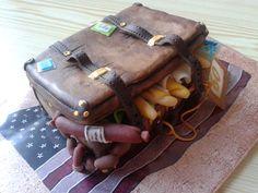 marzipan suitcase - cestovatelský kufřík z marcipánu pro mou kolegyni k narozeninám :).