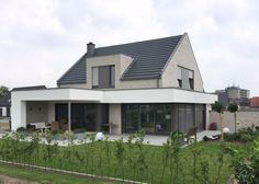 EFH in Rheine References houses Clinker plant Hagemeister Cultural Architecture, Education Architecture, Residential Architecture, Bungalow Renovation, Bungalow House Design, House Plants Decor, Architectural Section, House Extensions, Home Extensions