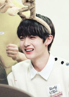 Bae Jinyoung Cr: to owner Bae Jinyoung Produce 101, Guan Lin, Produce 101 Season 2, Ong Seongwoo, Kim Jaehwan, Ha Sungwoon, Jiyong, Ulzzang Boy, 3 In One