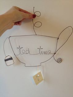 Wire art Tea Time by ShabbyBe on Etsy, €15.00