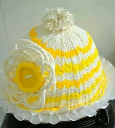 Awesome :D yellow and white hat Cake! It so looks like a hat!