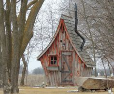 Il conçoit des petites maisons tout droit sorties de contes de fées