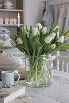 Embrace the simple Danish Hygge style this spring. Here are 15 DIY Spring Hygge Decor Ideas to make your home feel calm, welcoming and simply beautiful! Tulips In Vase, White Tulips, White Flowers, Beautiful Flowers, Exotic Flowers, Yellow Roses, Simply Beautiful, Purple Flowers, Pink Roses