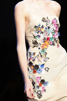 Floral embroidery inspired by Beatriz Milhazes