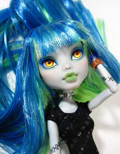 Frankie MH custom doll repainted Ageha - rerooted Tsubasa Oroza