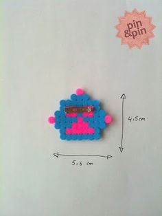 hama.pin, roboheadz, backside.