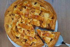 De klassieke appeltaart staat in mijn taarten top 3. En met mijn recept maakt je de taart gemakkelijk zonder pakjes en zakjes. Succes gegarandeerd!