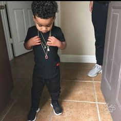 vai andar assim - Busca do Twitter Baby Boy Swag, Kid Swag, Cute Baby Boy, Cute Baby Clothes, Baby Boys, Mixed Baby Boy, Cute Mixed Babies, Cute Babies, Toddler Boy Fashion