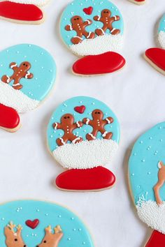 Cute and Easy Snow Globe Cookies - Sugar Cookies Decorated with Royal Icing find the Full Tutorial at www.thebearfootbaker.com