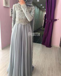 ♥️ Hijab Dress Party, Hijab Wedding Dresses, Bridesmaid Dresses, Prom Dresses, Hijab Fashion, Fashion Dresses, Hijab Stile, Hijab Trends, Muslim Women Fashion