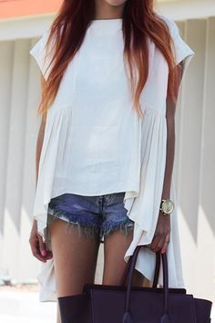 Asymmetrical White Loose T-Shirt ==