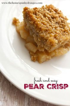 Summer Dessert Idea: Simple Pear Crisp Recipe - The Homespun Hydrangea Pear Recipes Healthy, Asian Pear Recipes, Apple Crisp Recipes, Easy Cake Recipes, Sweet Desserts, Canned Pear Crisp Recipe, Quick Recipes, Recipe Using Pears, Deserts