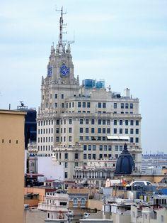 Edificio de la Telefónica fue el primer rascacielos de Europa (1929) y es hoy todavía el más alto de la Gran Vía (89 metros).Madrid