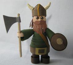 vikingo (pero en realidad no tenían cuernos en los cascos) hacha escudo guerrero barba #quilling