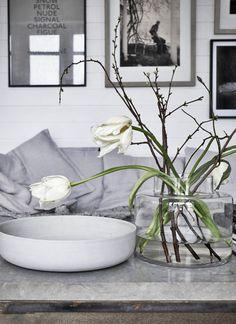 STIL_INSPIRATION_French_tulips http://stilinspiration.elledecoration.se/perfect-unperfect/
