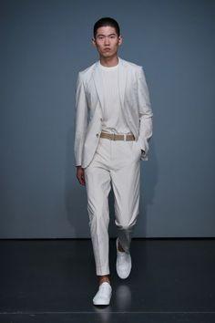 Asian Men Fashion, Stylish Mens Fashion, White Fashion, All White Mens Outfit, White Outfits, Vogue Paris, Pitta, Models, Mannequins