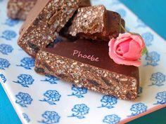 #σοκολάτα #μπάρες #φουντούκια #κεράσματα #chocolate #ricekrispies #chocolatetreats #nostimiesgiaolous Chocolate Cake, Cookies, Desserts, How To Make, Food, Chocolate Chip Pound Cake, Biscuits, Chocolate Cobbler, Deserts