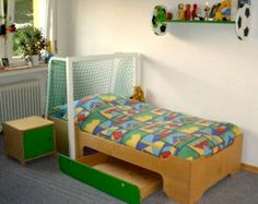 Soccer Bed Football Bed with extra storage by BetweenPosts Boys Single Bed, Cool Boys Room, Football Bedding, Plywood Design, Big Boy Bedrooms, Junior Bed, Duvet Bedding, Mattress Springs, Crib Sheets