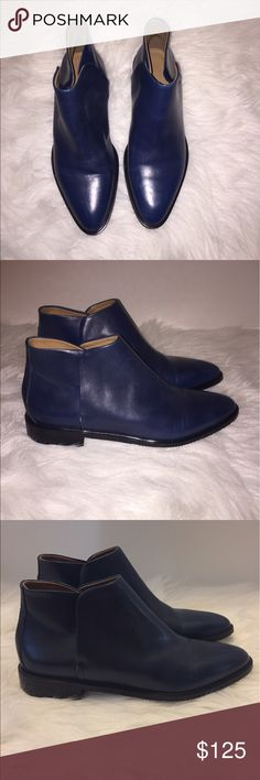 Everlane women navy Italian Leather bootie Sz 9.5 Brand new Everlane women's Navy blue  bootie size 9.5 100% Italian Leather .   Although brand new, they may have dust in sole due to trying on. And Some creasing. Please refer to all pictures!   Gorgeous bootie!   Sorry no box!  Make sure to check out my other listings.  Come back soon for more everlane!   Bin-1 Everlane Shoes Ankle Boots & Booties