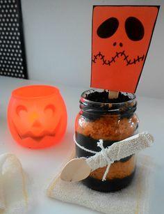 bolo no pote de halloween - http://clubedebrigaderia.com.br/bolo-enterrado-no-pote-halloween-brigadeiroso/