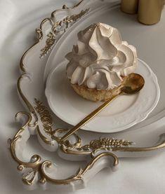 Cream Aesthetic, Aesthetic Food, Aesthetic Coffee, Enjoy Your Meal, Good Food, Yummy Food, Tasty, Think Food, Cute Desserts