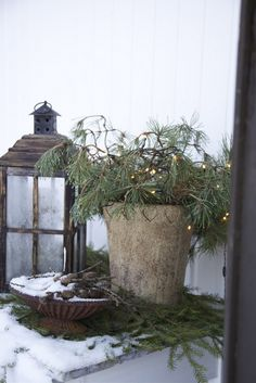 Latest No Cost Primitive Decor porch Thoughts – The Best DIY Outdoor Christmas Decor Christmas Garden, Christmas Porch, Primitive Christmas, Outdoor Christmas, Country Christmas, Winter Garden, Christmas Decorations, Primitive Decor, Christmas Lights