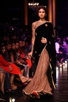Lakme India Fashion Week Winter 2014 Sabysachi beige glitter and black sari. Pakistani Dresses, Indian Dresses, Indian Outfits, Indian Clothes, India Fashion Week, Lakme Fashion Week, Indian Fashion Designers, Indian Designer Wear, Indian Attire