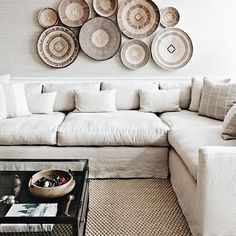 Africa is a beautiful exotic place with rich cultural heritage and unique interior design. Whatever it is that inspires you about African decor, there are plenty of ways to Boho Living Room, Living Room Decor, Living Spaces, Cozy Living, Small Living, Decoration Hall, Basket Decoration, Family Room Design, Family Rooms