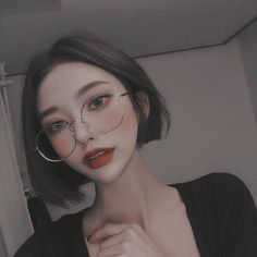 Want to know more about makeup products Korean Makeup Ulzzang, Mode Ulzzang, Korean Makeup Look, Korean Makeup Tips, Korean Makeup Tutorials, Ulzzang Girl, Ulzzang Style, Ulzzang Makeup Tutorial, Make Up Looks