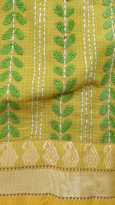 Kantha Stitch blouse Embroidery On Kurtis, Hand Embroidery Dress, Kurti Embroidery Design, Hand Embroidery Tutorial, Embroidery Works, Embroidery Saree, Indian Embroidery, Hand Embroidery Stitches, Peacock Embroidery Designs