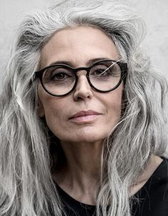 Reference: Old Caucasian woman with glasses. Portrait. // Model unknown.