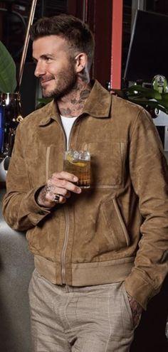 Estilo David Beckham, Charlize Theron, Smart Casual, Stylish Men, Joseph, Gentleman, Khaki Pants, Swag, Leather Jacket