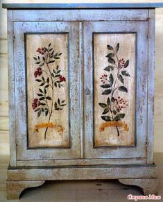 Funky Painted Furniture, Paint Furniture, Repurposed Furniture, Furniture Makeover, Home Furniture, House Painting, Painting On Wood, Painted Wardrobe, Muebles Shabby Chic