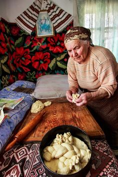 History Of Romania, Romanian People, Toilets, Ancestry, Roots, Real Life, Folk, Religion, Bread