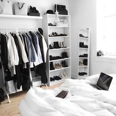 Here are list of the awesome minimalist apartment designs ever presented on sweet house. Find inspiration for Minimalist Apartment Design to add to your own home. Wardrobe Organisation, Small Bedroom Organization, Closet Organization, Minimalist Apartment, Room Goals, Aesthetic Rooms, New Room, Dream Bedroom, House Rooms