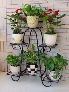 Cool Plant Stand Design Ideas for Indoor Houseplant 38 - Rockindeco